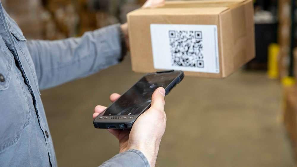 Sonim RS60 Scanning Barcode warehouse organizing