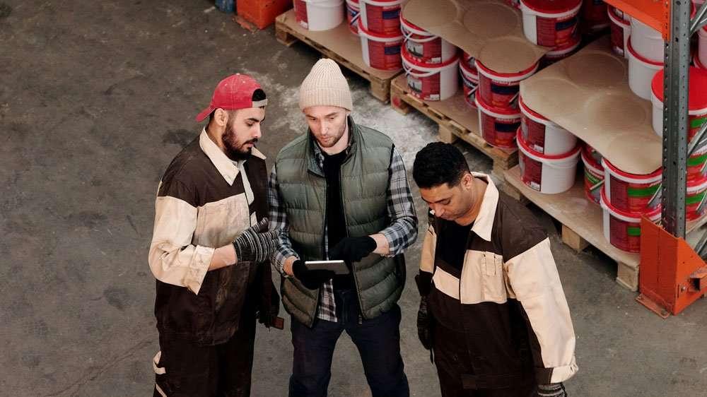Using Tablet in Warehouse Zebra ET51