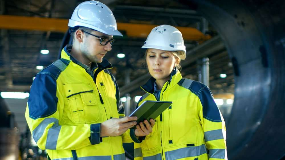 Utility workers using the Samsung Galaxy Tab Active Rugged Tablet