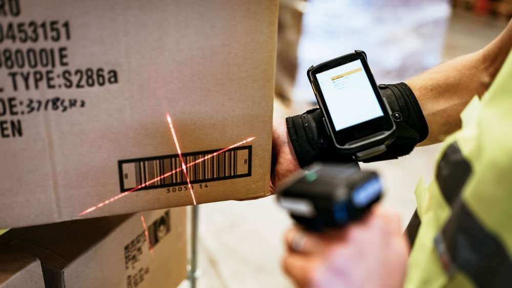 Scanning Barcode on Packing Box